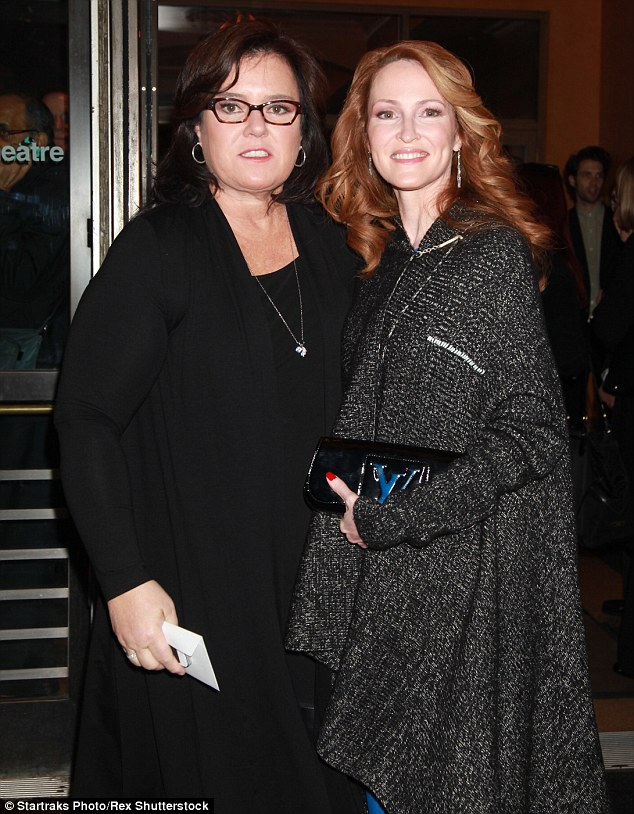 281A88BC00000578-0-Nasty_split_Rosie_O_Donnell_and_estranged_wife_Michelle_Rounds_a-m-10_1430233446581